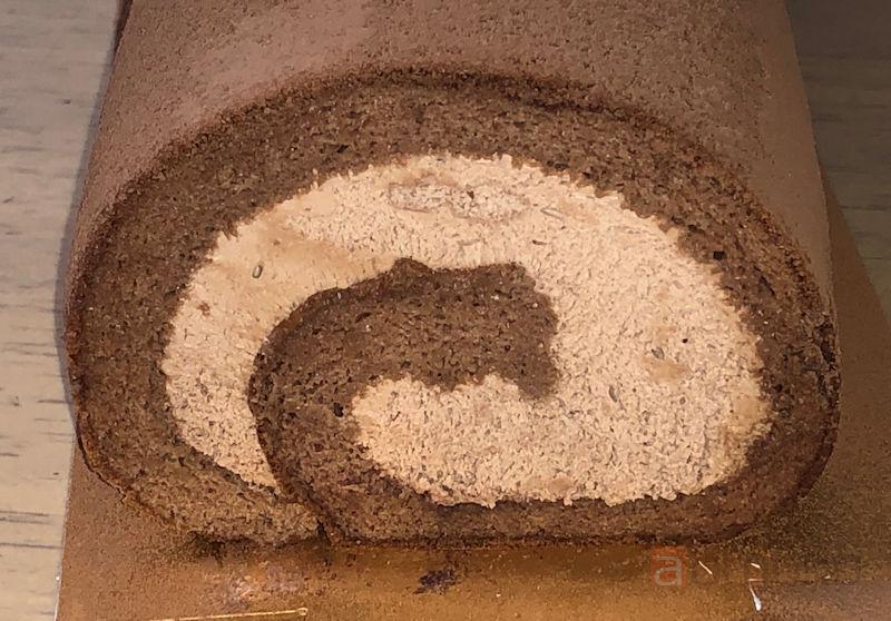 『かまくらショコラロール』子供にも大好評のチョコレートロールケーキ